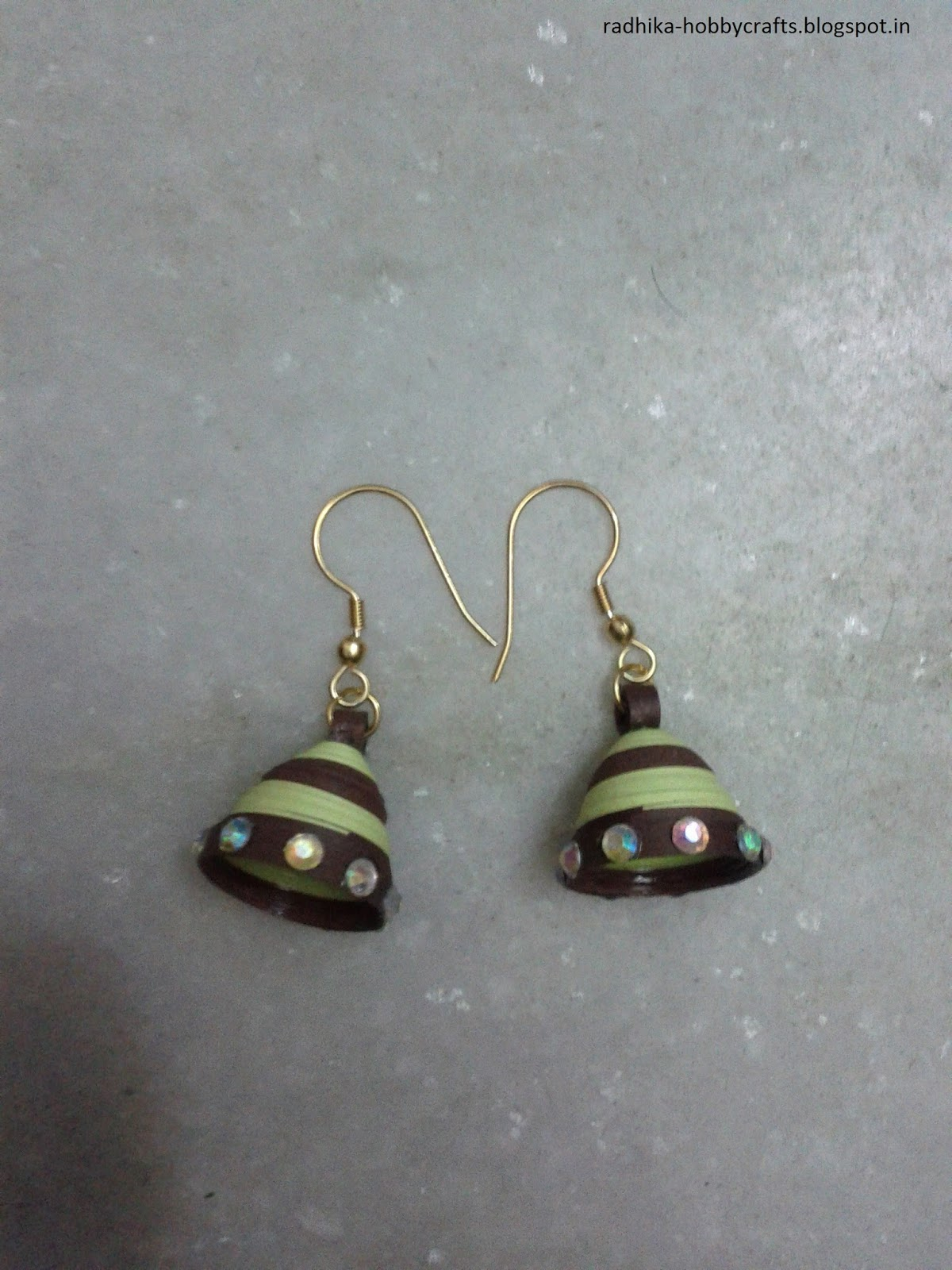 Hobby crafts quilled jhumka earrings for Big quilling designs