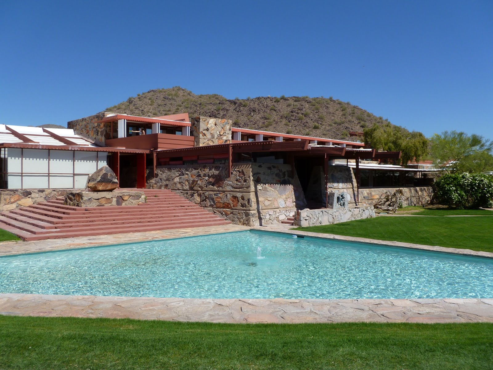 busy beth 39 s blog frank lloyd wright and taliesin west. Black Bedroom Furniture Sets. Home Design Ideas