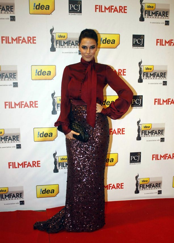 Neha Dhupia in Red Dress1 - Neha Dhupia Red Gown Dress At 57th Idea Filmfare Awards 2011