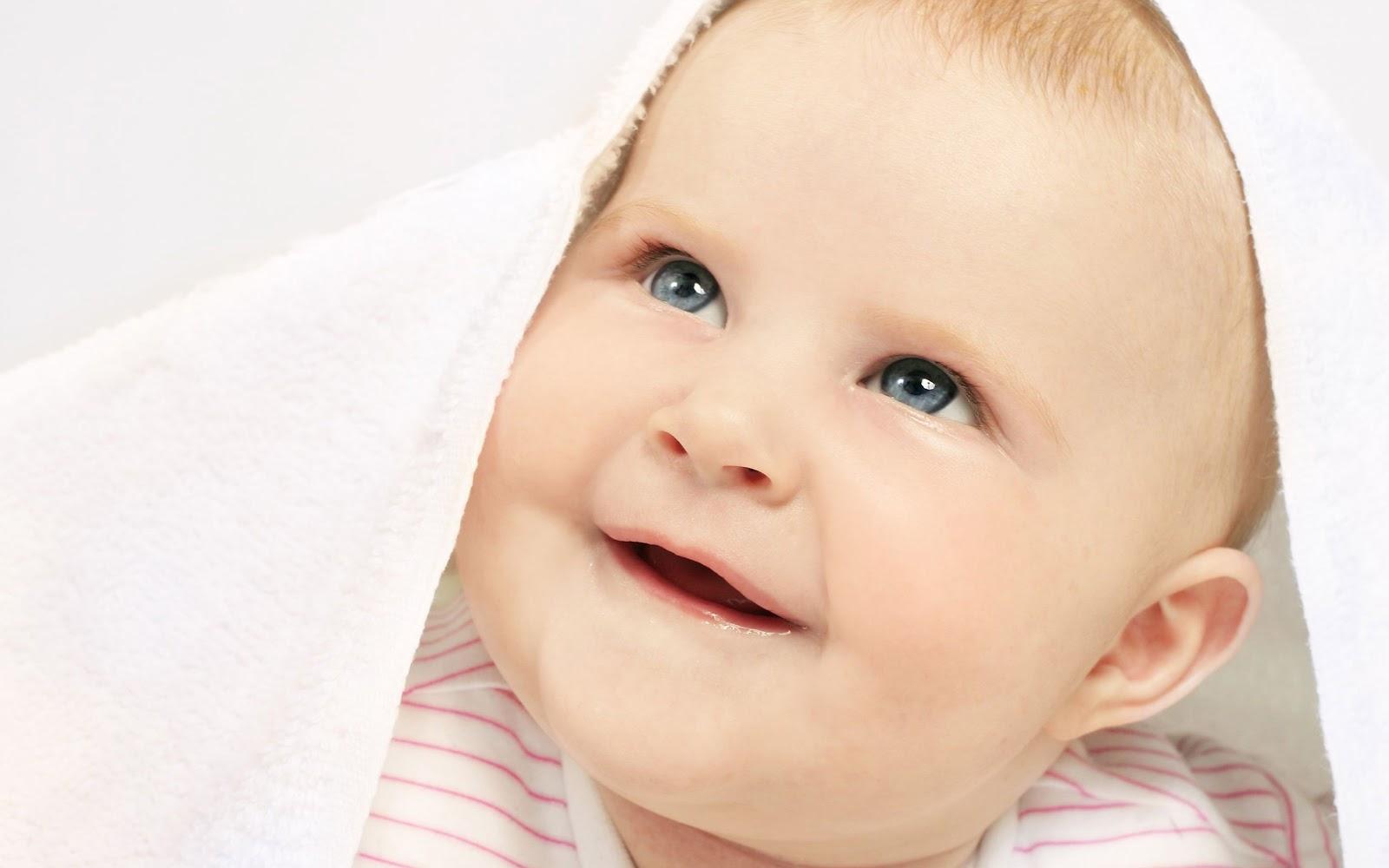 http://3.bp.blogspot.com/-eI_h9Ubvkbs/UNuxgKfeyCI/AAAAAAAAAYk/Eq6laEML8-4/s1600/Under-Blanket-Baby.jpg