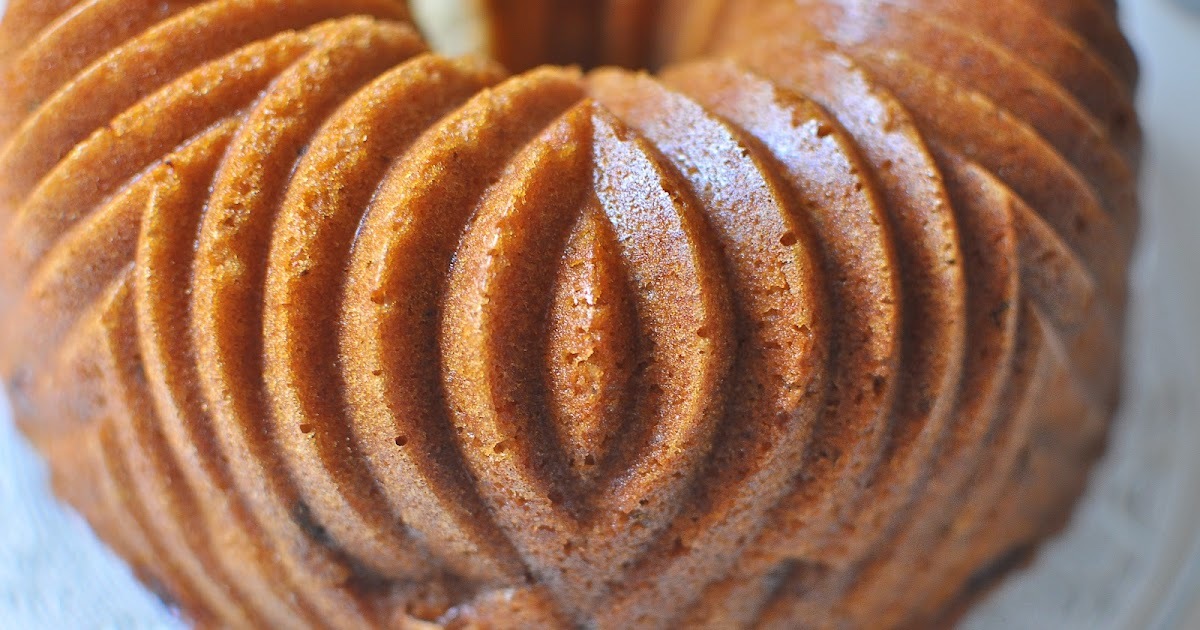 The Kitchen Guardian: Mom's Apple Cake