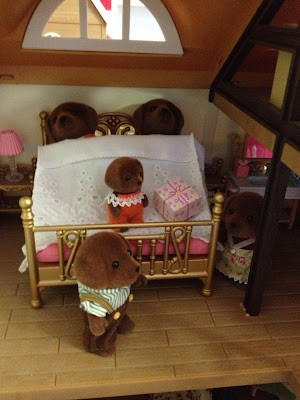 Sylvanian Families Bedroom Highfields Farm Hunter-Smyth Chocolate Labrador Family