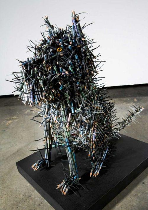 Federico Uribe esculturas lápis Cachorro