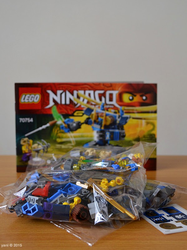 lego ninjago electromech - inside the box