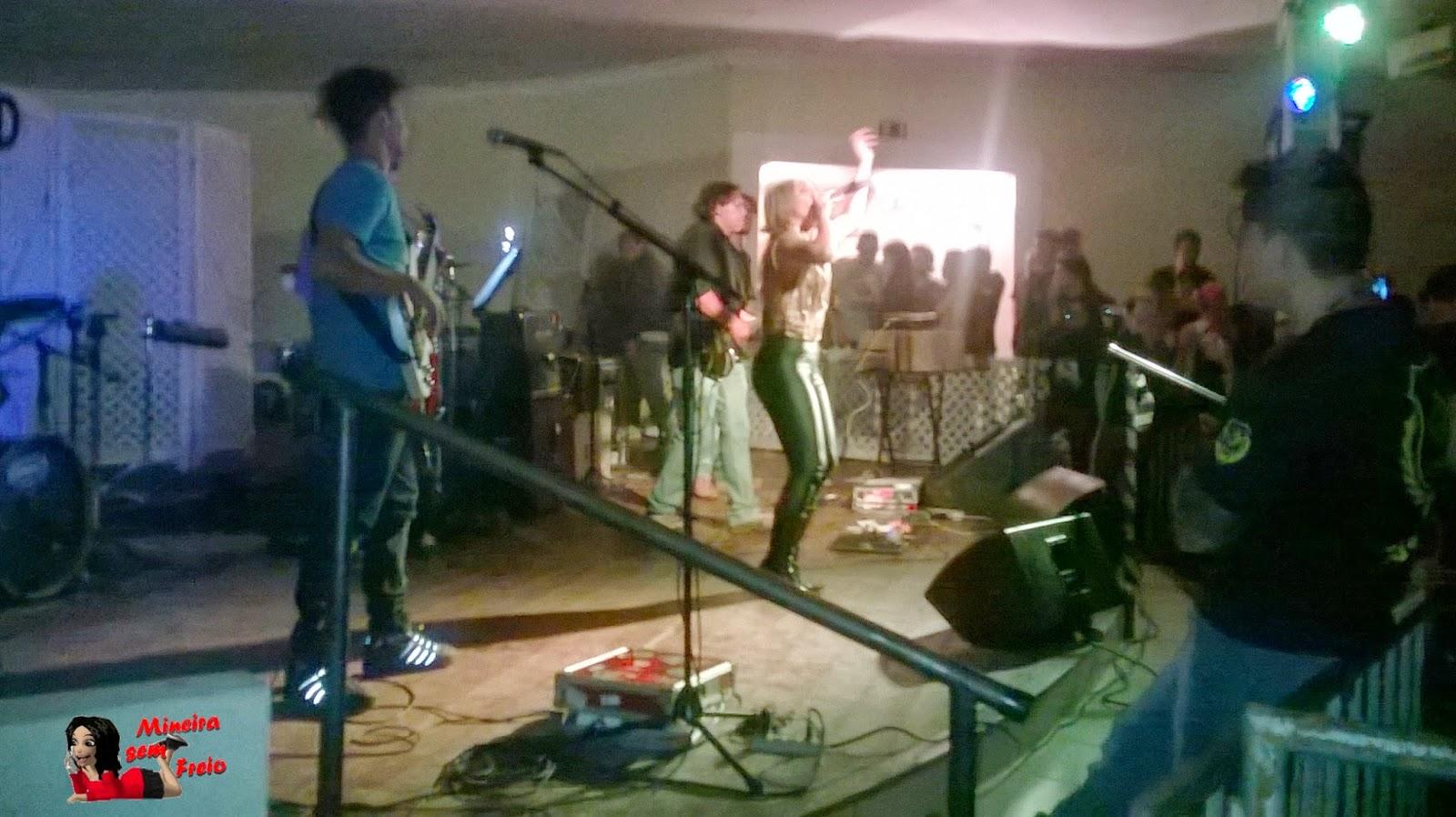 Banda Avelar - acesse www.mineirasemfreio.com.br