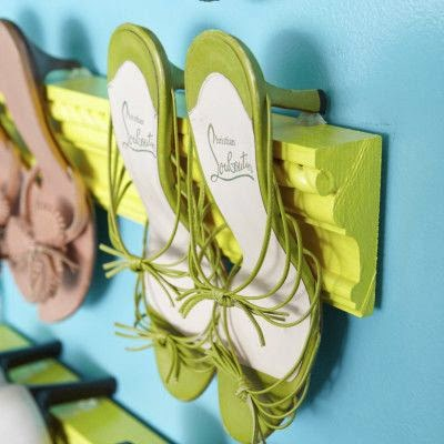 http://www.huffingtonpost.com/2012/04/30/diy-idea-shoe-storage_n_1458931.html