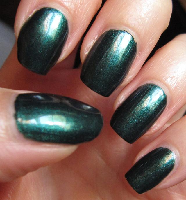 glitter is my crack nails notd avon noir emerald. Black Bedroom Furniture Sets. Home Design Ideas