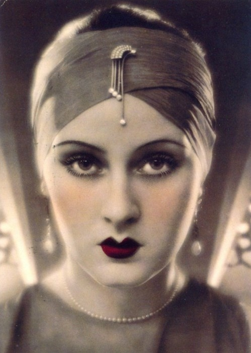 Deco Perfection #1920s #beauty #1930s #glamour #red