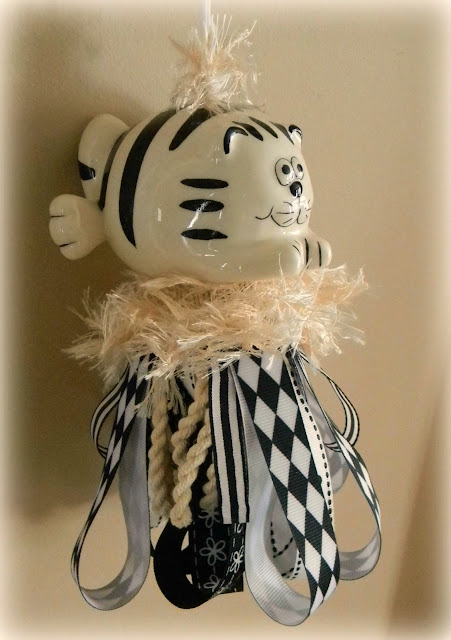 Forever Decorating!: Kitty Tassels