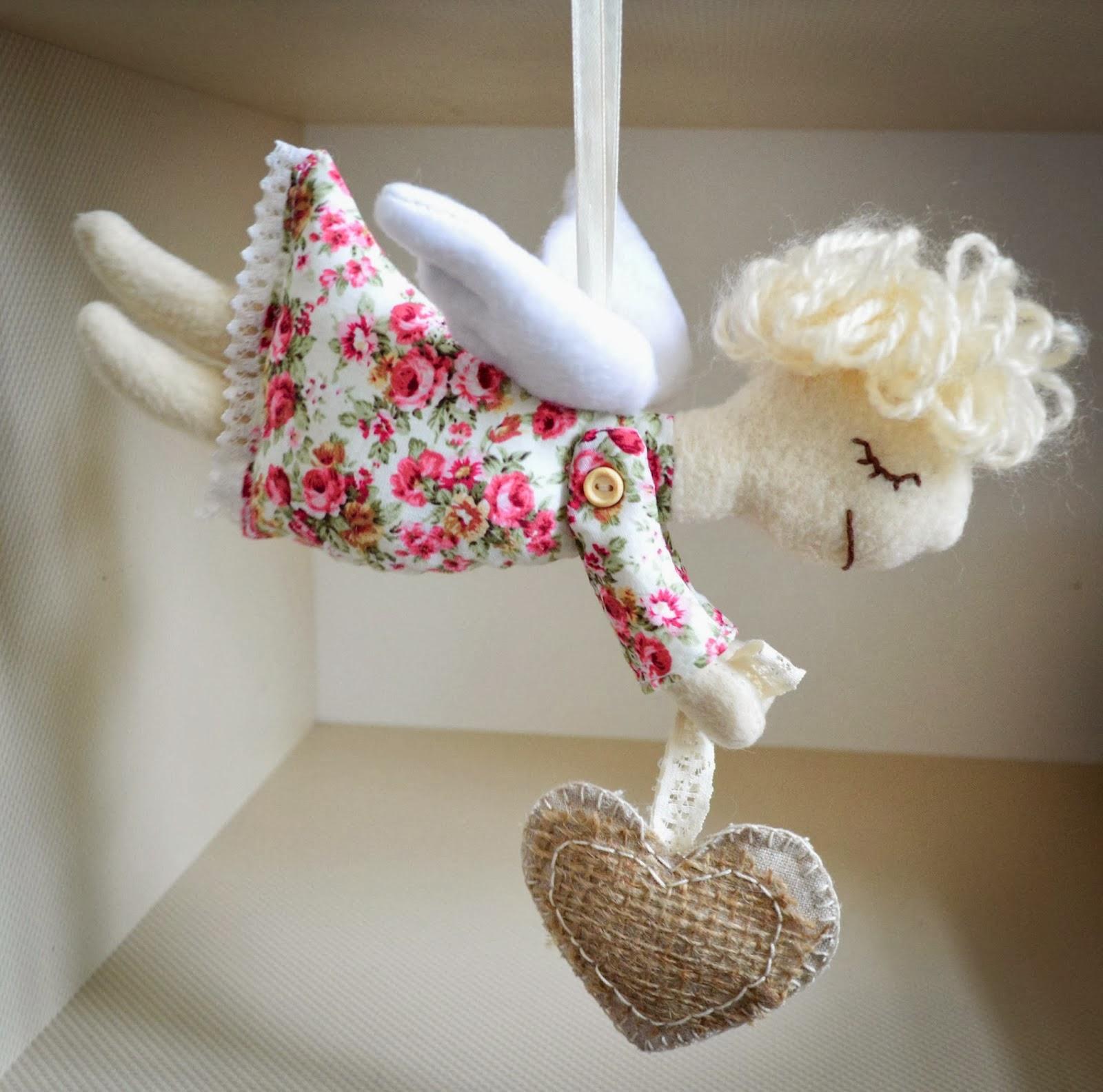 Летящий ангел ко Дню Святого Валентина. МК