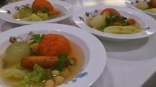 千駄ヶ谷・北参道・神宮前に出張料理:まるごとトマトとチョリソーのポトフ