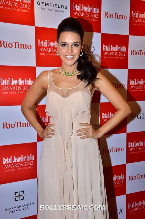 Neha Dhupia hot pic - Neha Dhupia at Gemfields RioTinto Jeweller Awards 2012