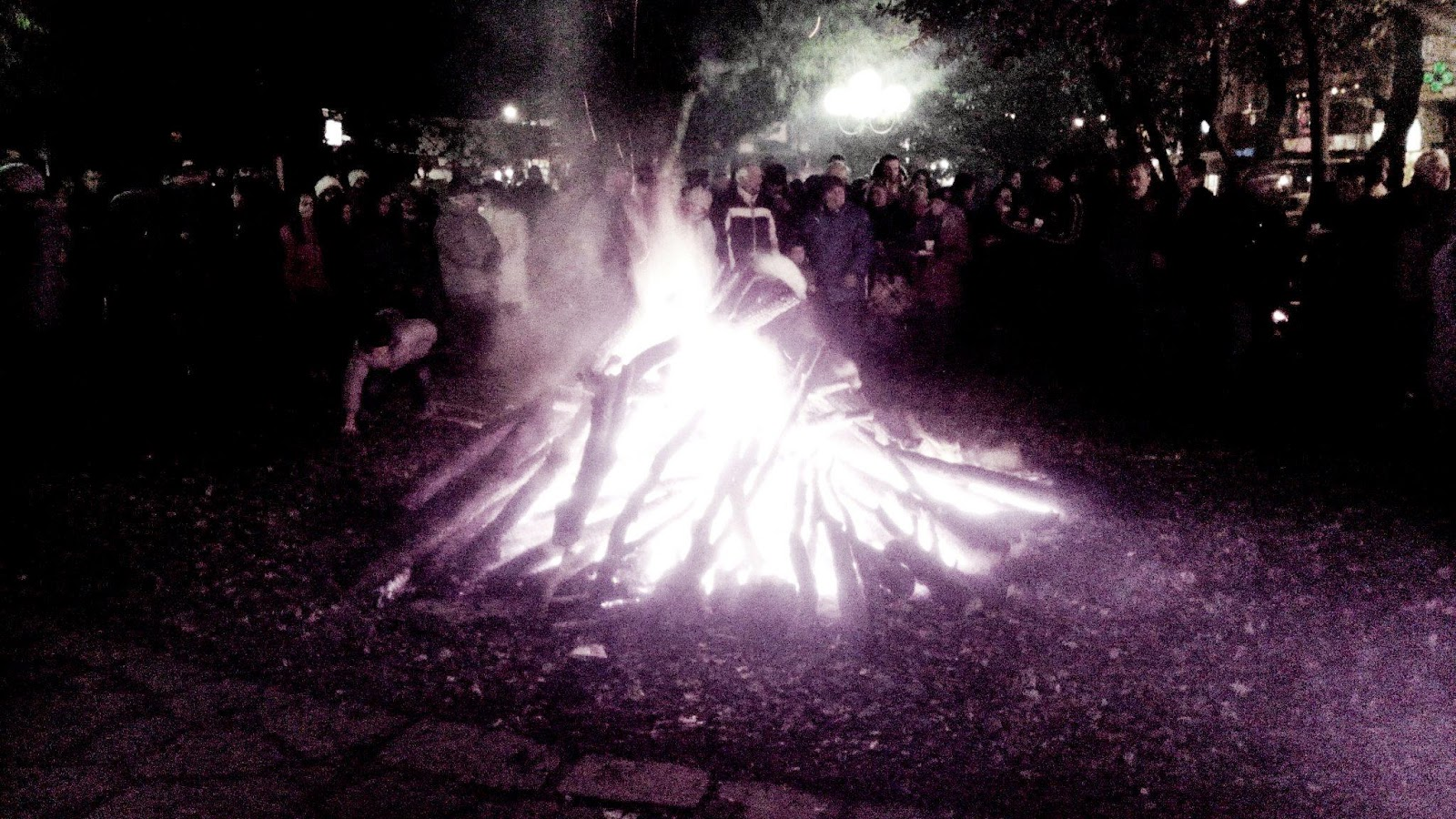 Παραμονές Πρωτοχρονιάς έβαλαν σκοπιανά τραγούδια στο κέντρο της Έδεσσας
