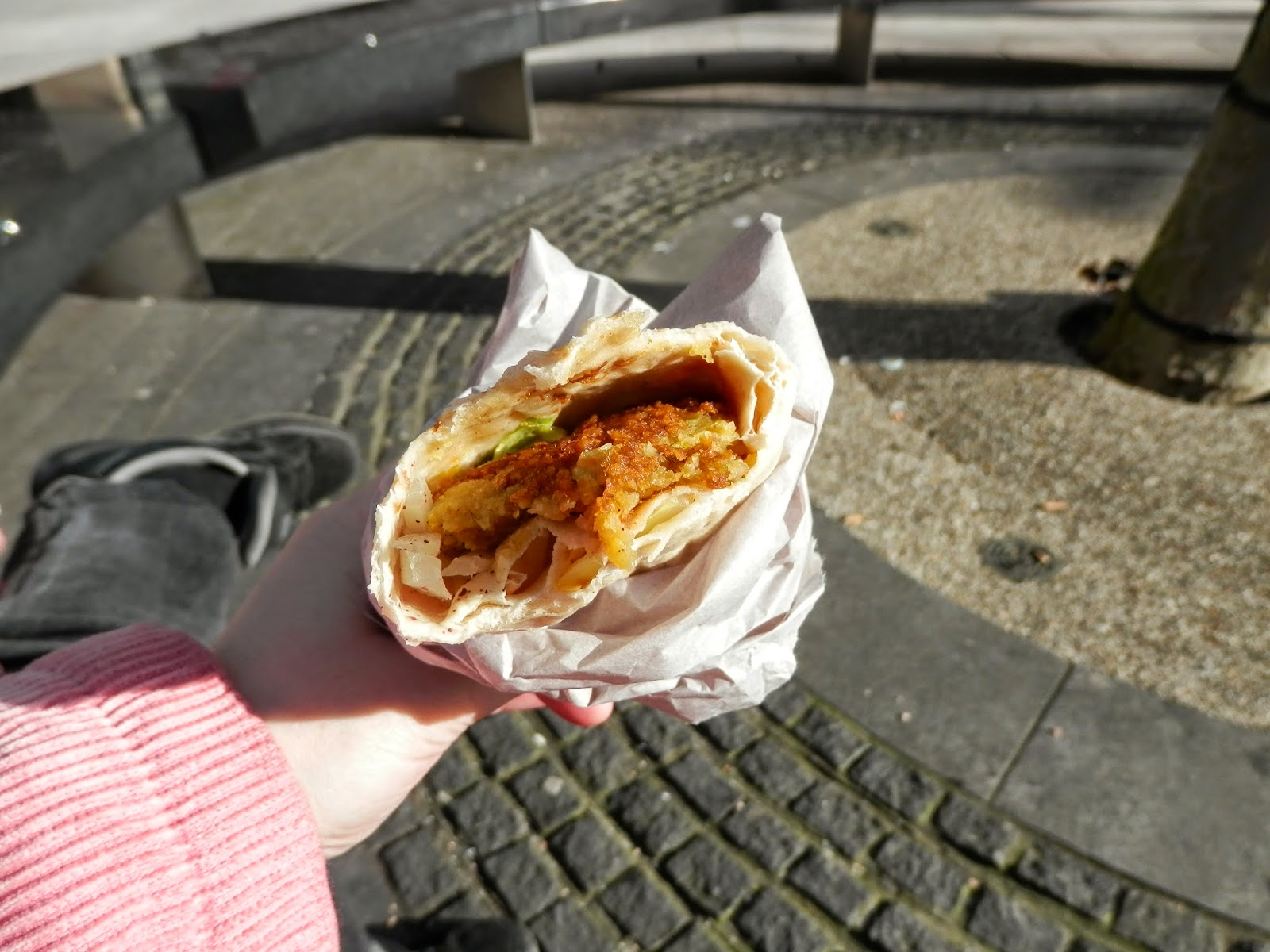 Falafel and Salad Wrap. Vegan meal ideas.  secondhandsusie.blogspot.co.uk