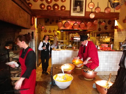 M re poulard around my french kitchen - Restaurant la mere poulard ...