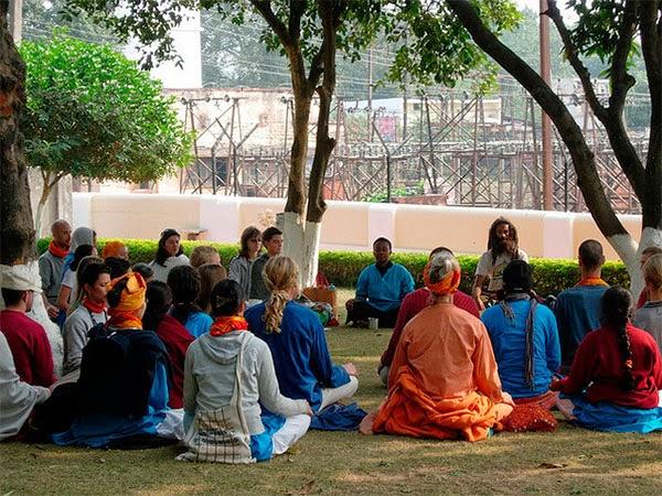 Медитация в ашраме