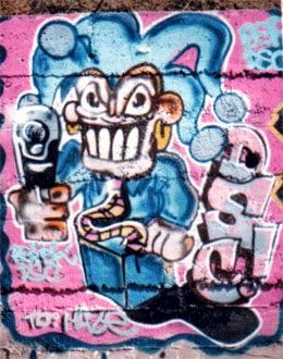 Graffiti en las vías de Marina