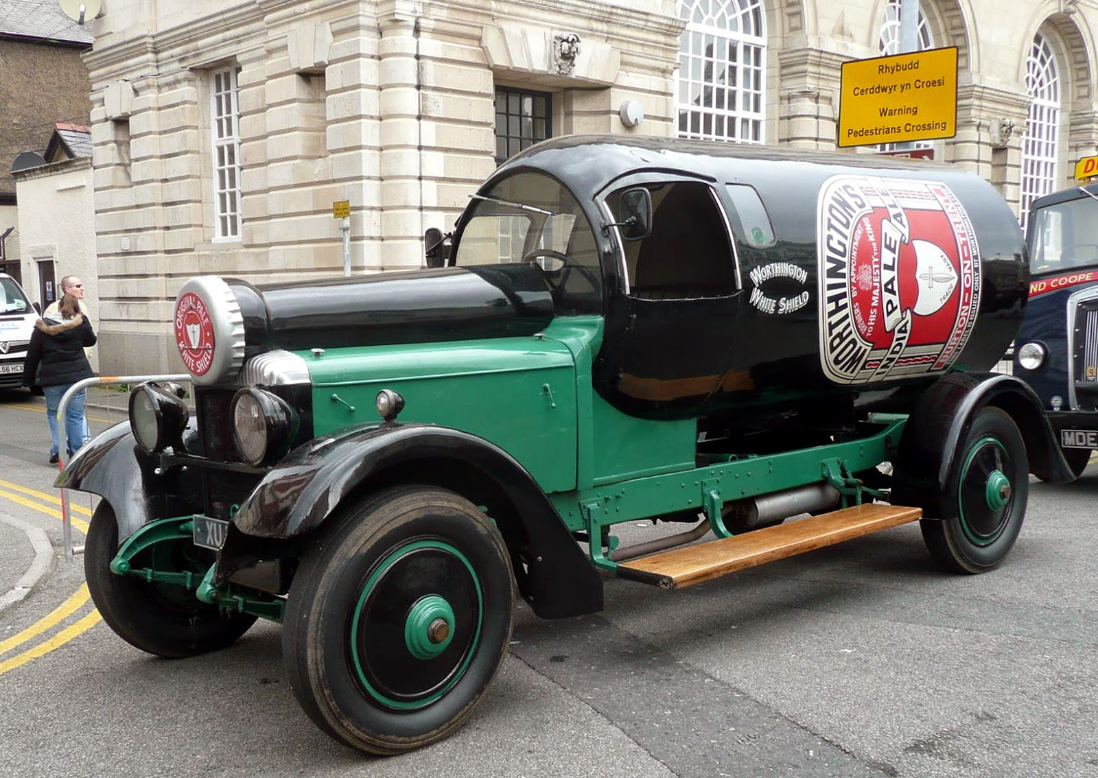 old and unique cars: Worthington\'s India Pale Ale advertising car ...