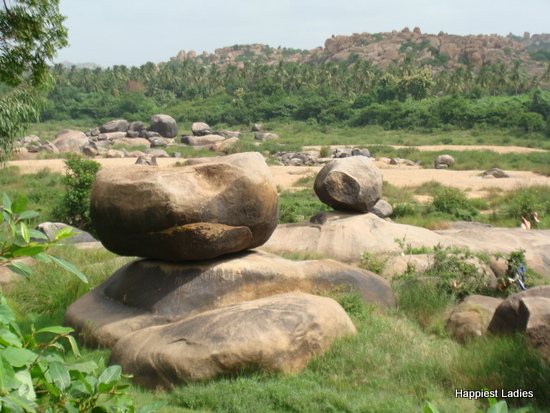big boulders in hampi