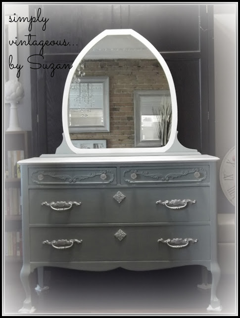 Mirror, dresser, chalk paint, white, dresser, makeover