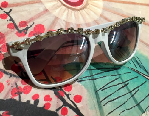 DIY Rhinestone Sunglasses in 5 Minutes