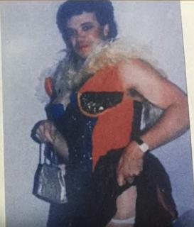 Popeye vestido de mujer.