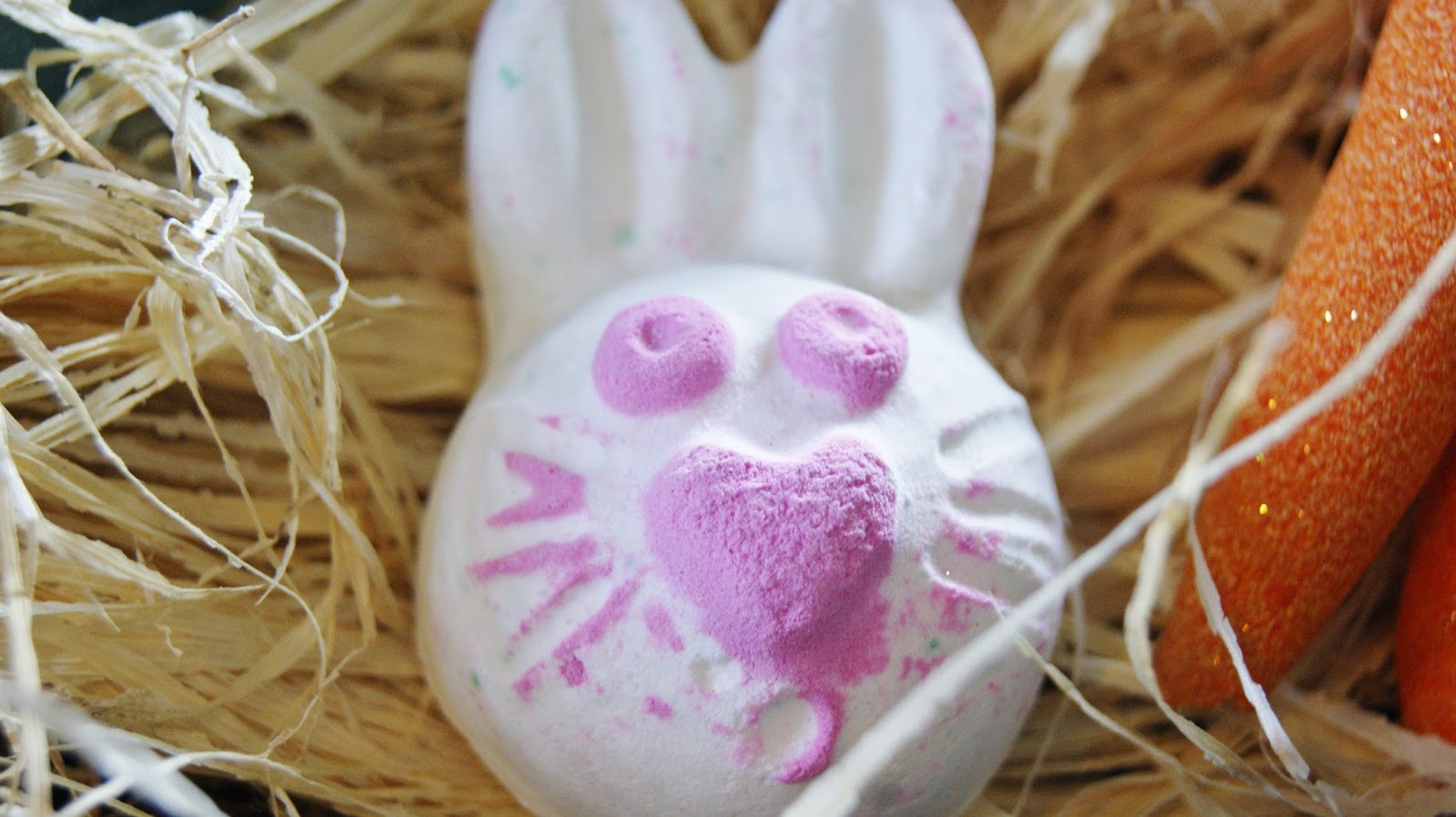 Lush Hoppity Poppity Bath Bomb Review