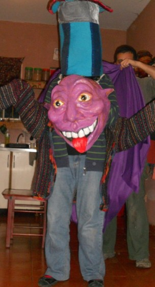 Mascara en colaboración con Títeres del Zonda, Argentina