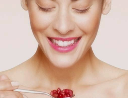 5 Benefits Of Pomegranate For Skin Wrinkles