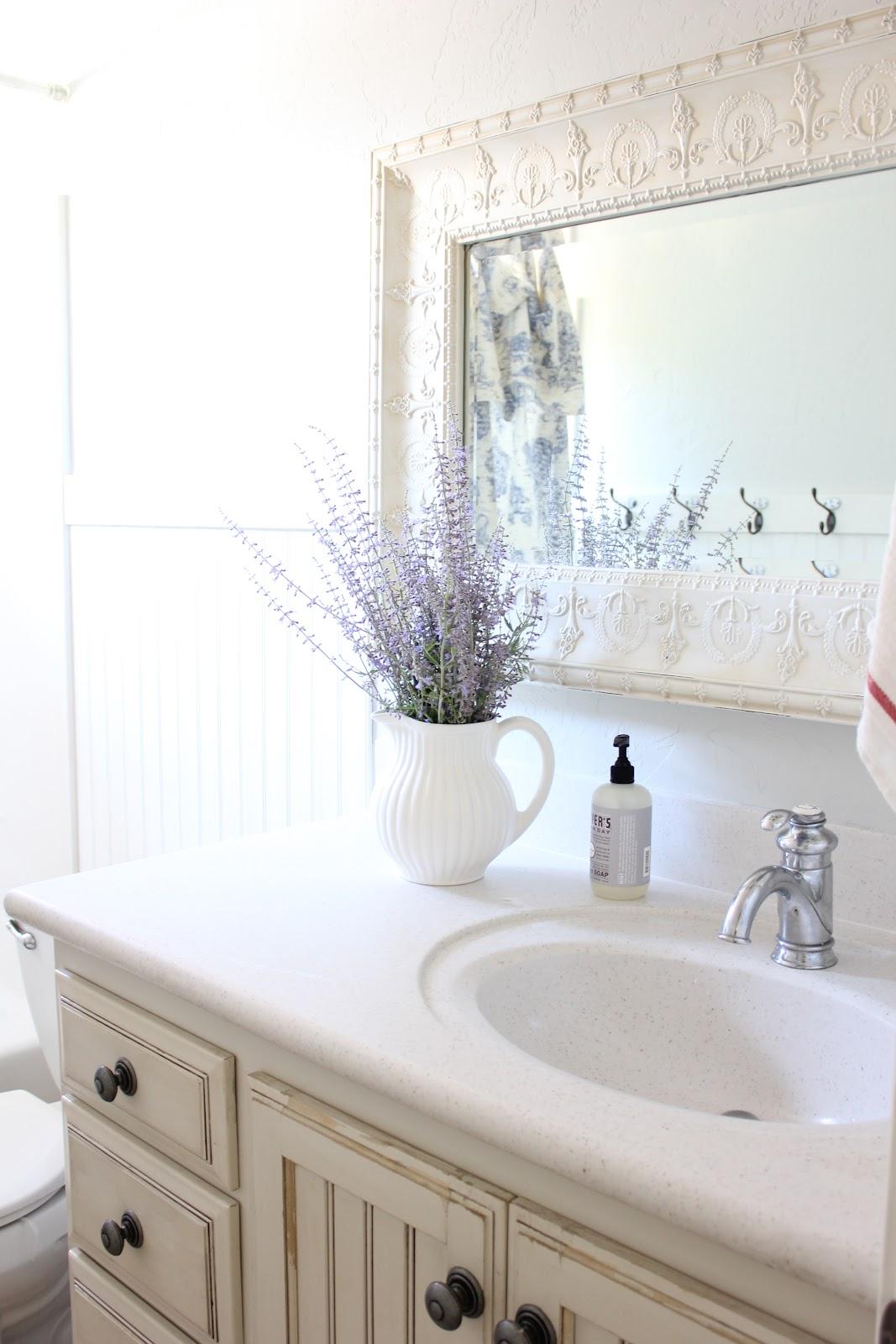 Primp Junktion: french farmhouse bathroom