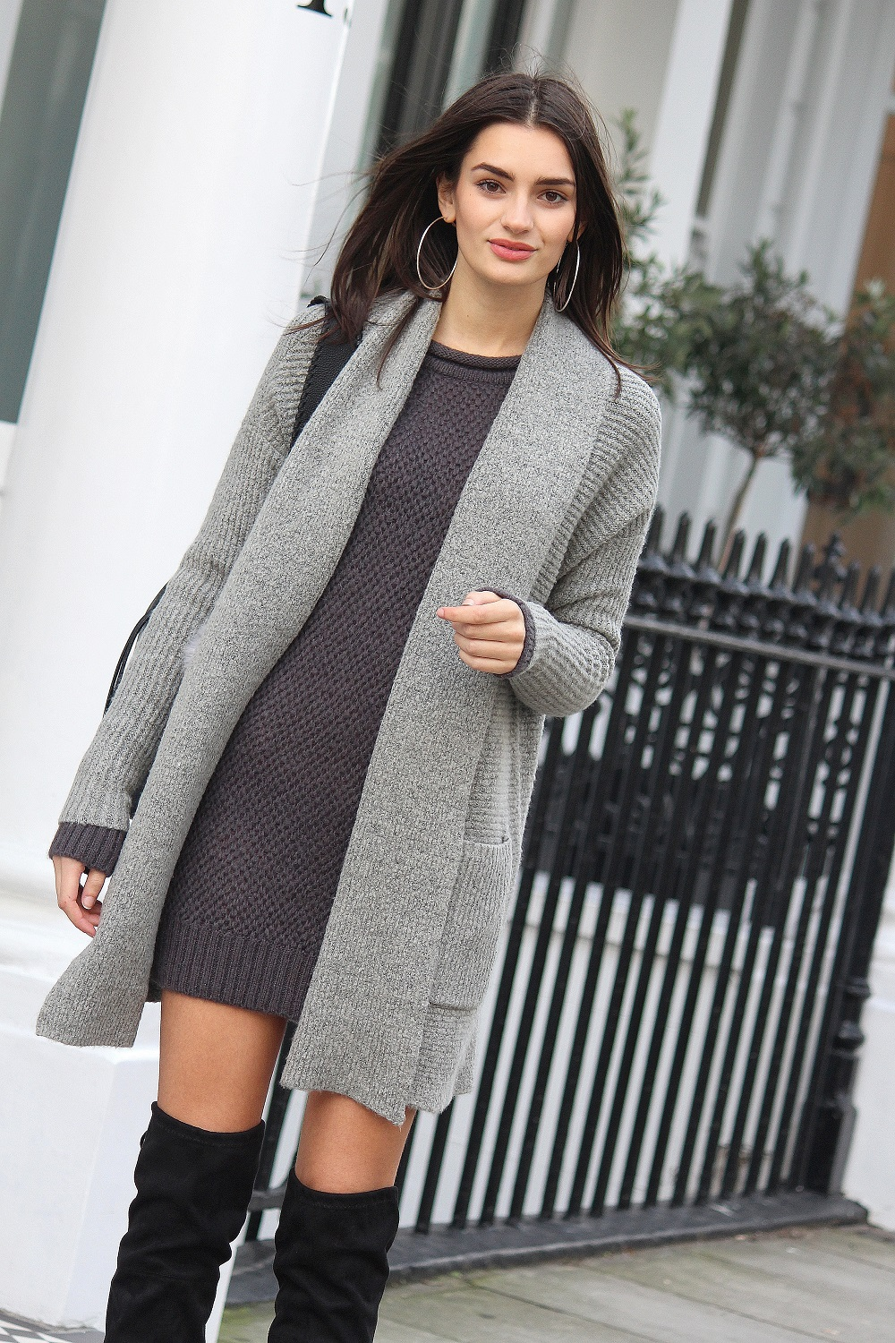 50 shades of grey layering worn by peexo fashion blogger
