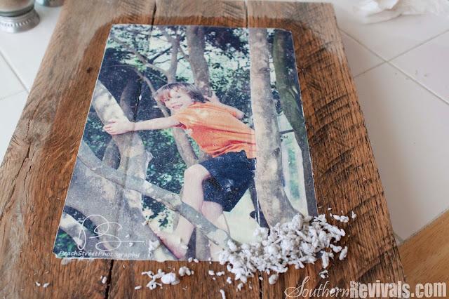 diy pallet photo frames with mod podge photo transfer southern revivals. Black Bedroom Furniture Sets. Home Design Ideas