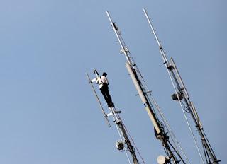 Telkomsel Pailit, Seleksi 3G Terkatung-katun