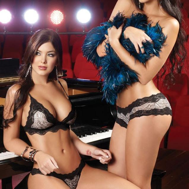 Mariana Davalos Sexy Images