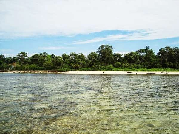foto pantai di pulau panjang jepara