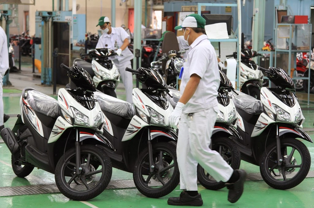 New Honda Revo FI: Motor Bebek Injeksi Dengan  - YouTube