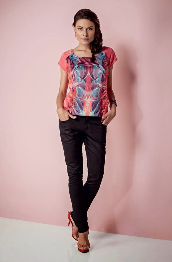 Amazing Colorful Blouse and Black Trousers with Red High-Heeled Shoes
