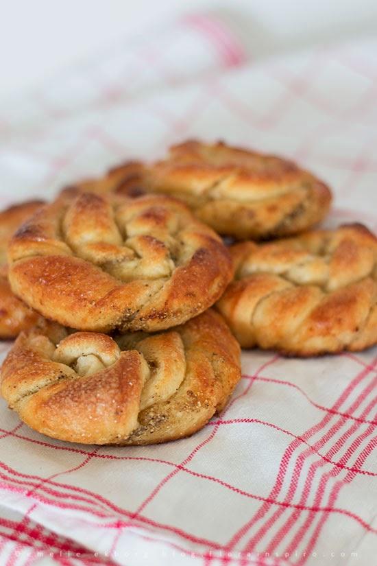 cardamom buns, cardamom rolls, cardamom twists, kardemumma bullar, swedish cardamom buns