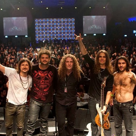 Road to metal heavy metal classic rock interview angra rafael rtm since the beginning of 2012 you had to face the sad departure of vocalist edu falaschi but with the invitation to play in the band 70000 tons of fandeluxe Choice Image