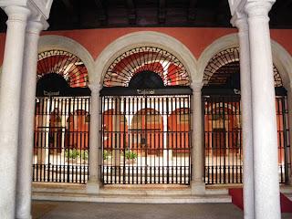 Sevilla - Patio Cajasol 01
