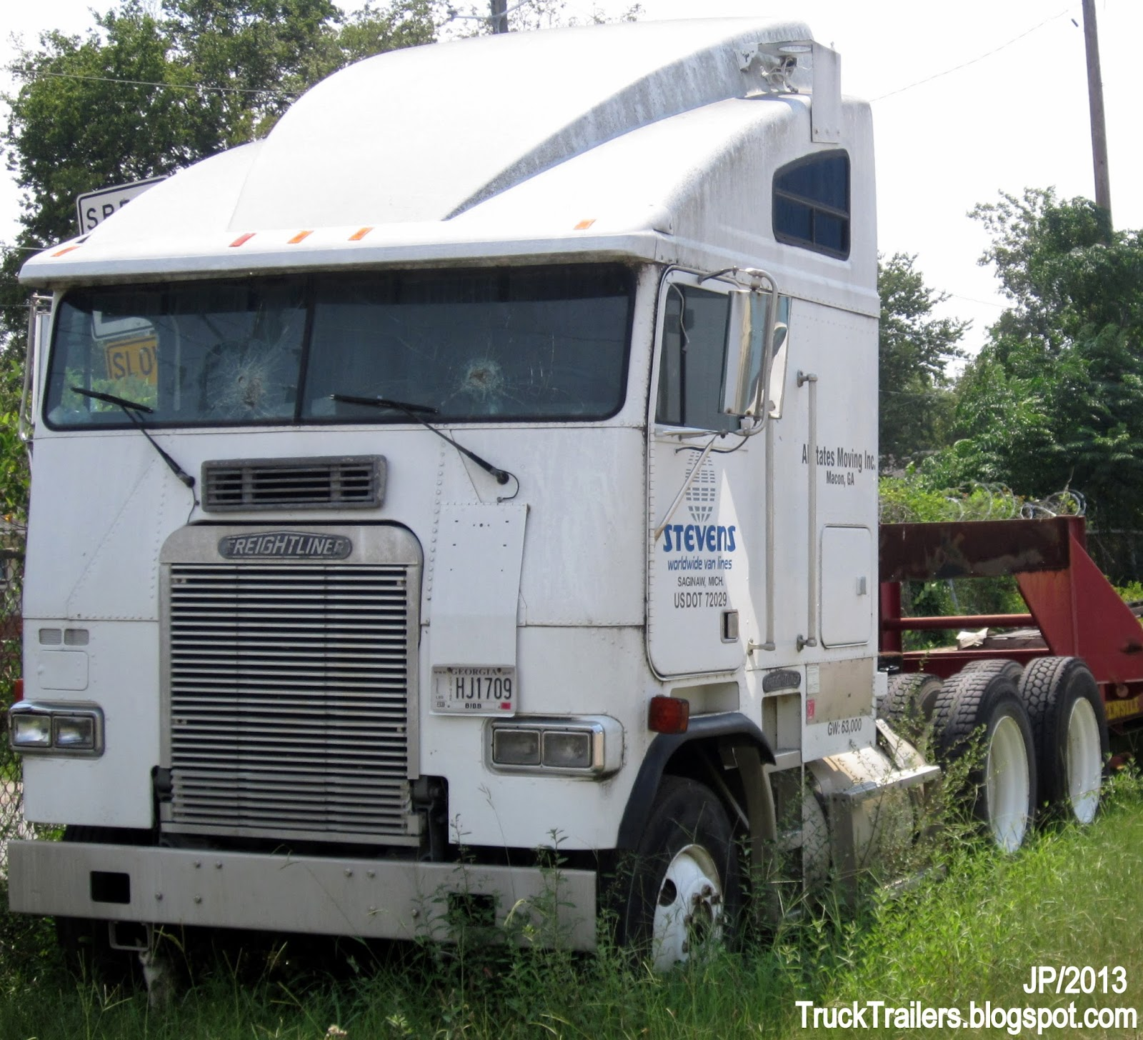 benefits rental sleeper truck services single commercial straight rentals tractor axle with fleet