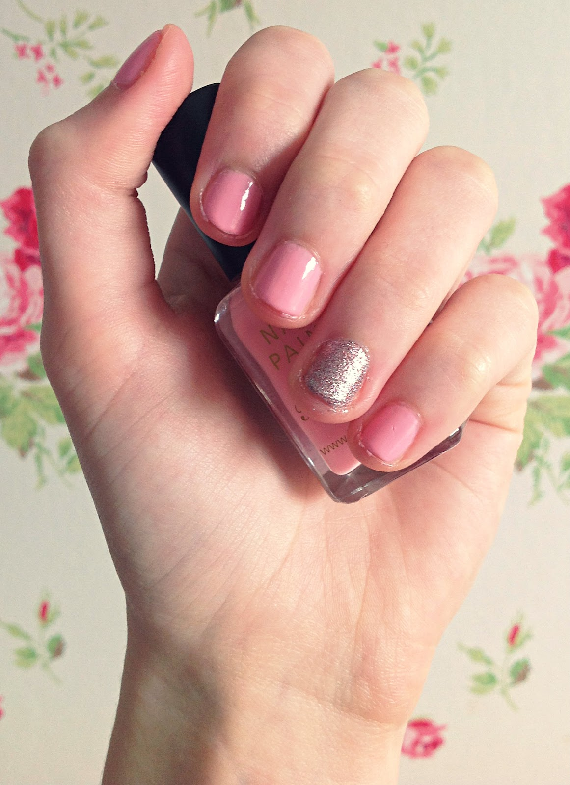 Belle-amie | Beauty, Fashion & Lifestyle Blog: Nail Polish Of The Day #2