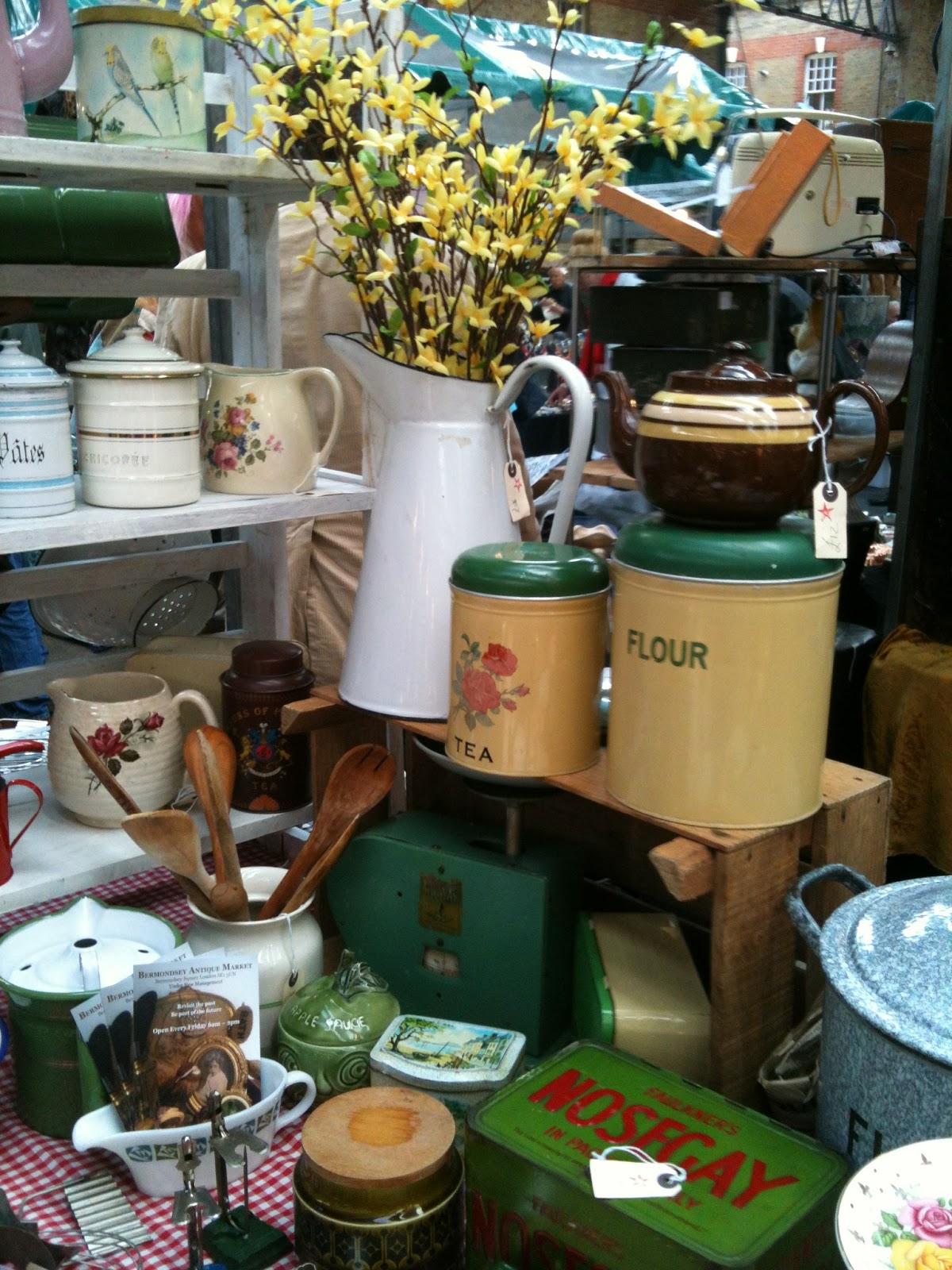 Vintage kitchenware - Wednesday May 22 2013