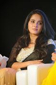 Anushka shetty glamorous photos-thumbnail-9