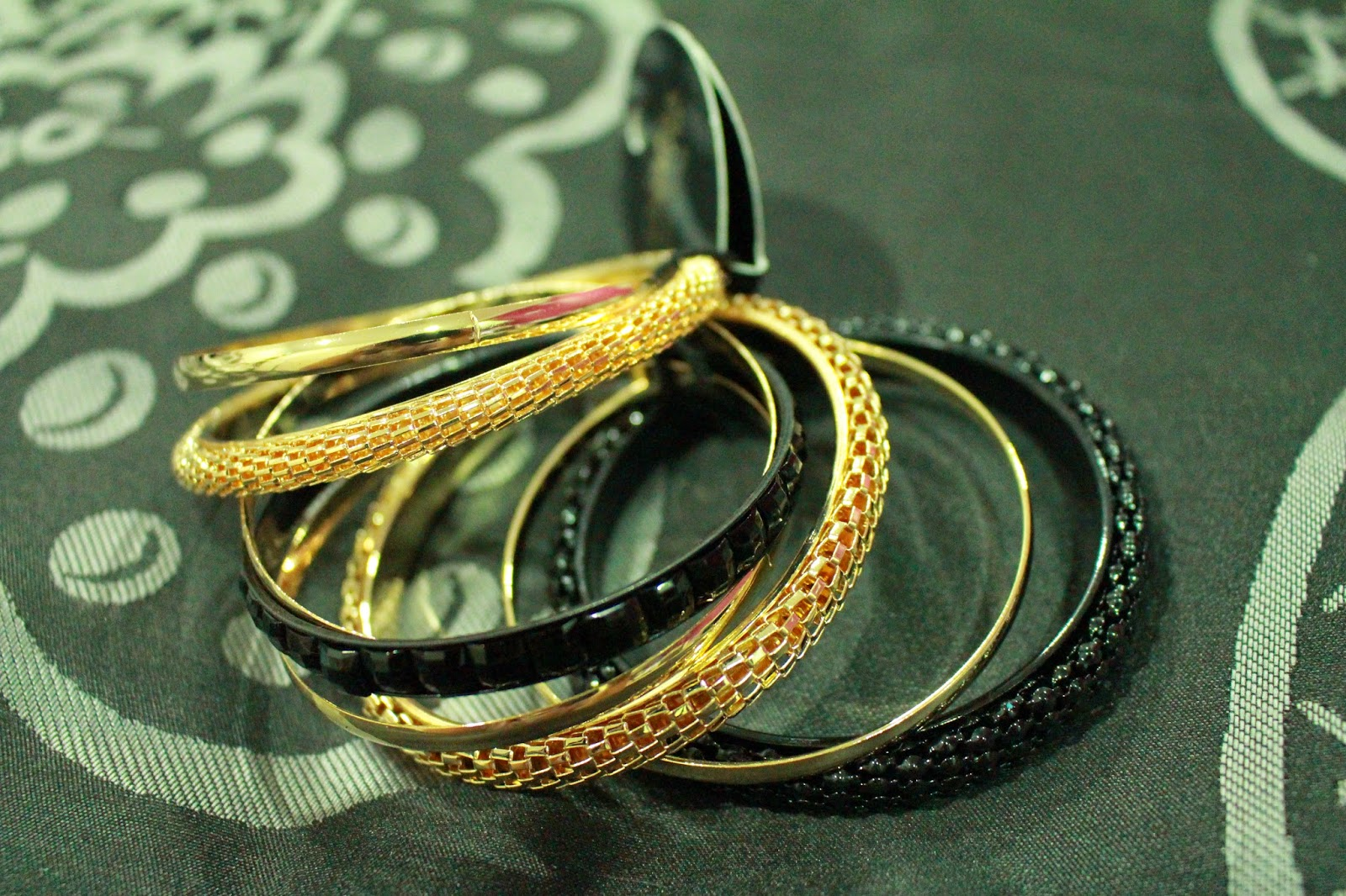Colette Hayman 8 Bangle Pack