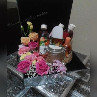 Gubahan hantaran fresh flower pink kuning {barang mandian & perfume}