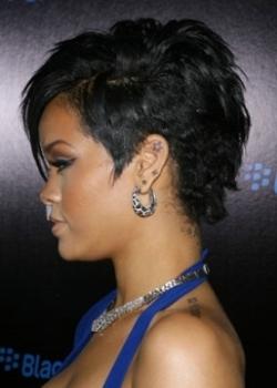 Rihanna HairStyles, rihanna short hairstyles, rihanna short haircuts