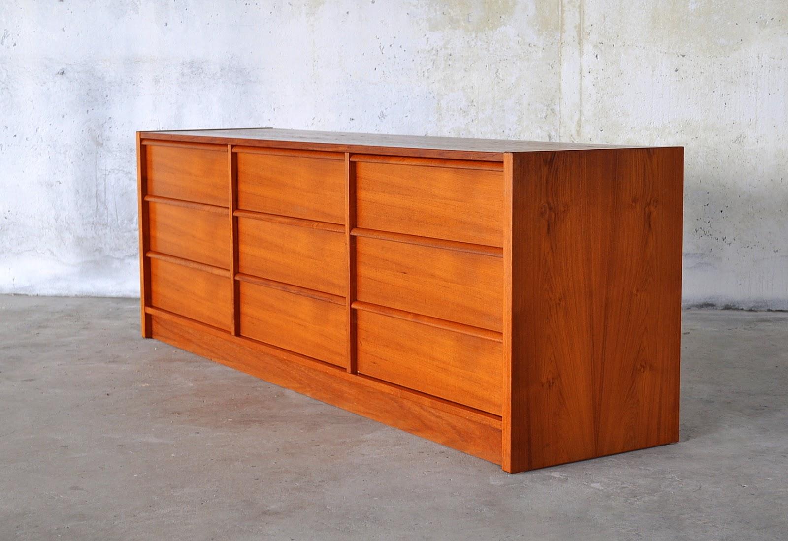 SELECT MODERN Poul Hundevad Teak Triple Dresser