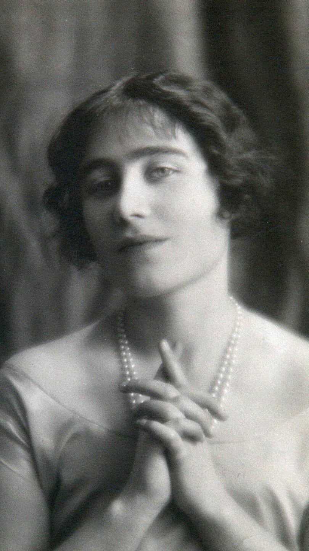 Young Queen Elizabeth Mother Patrick von Stu...