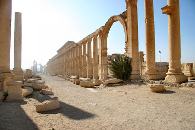 Syria's ancient Palmyra on brink of destruction